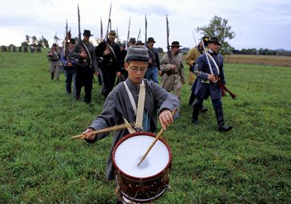 Confederate_Drummer_Boy_-_Reenactment